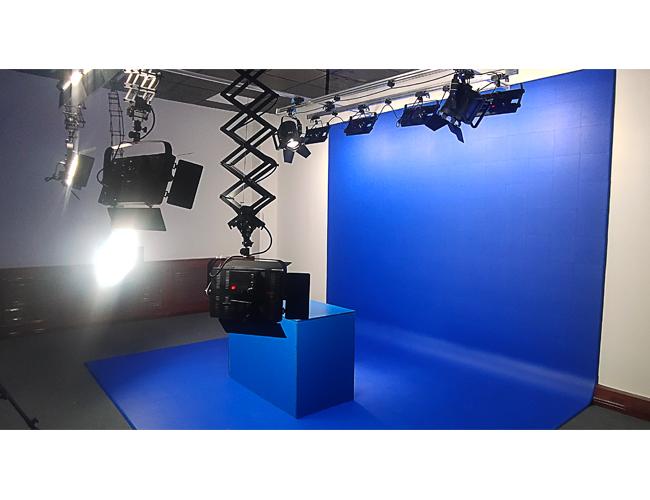 山东淄博职业学院灯光抠像蓝箱L型 免漆模块化拼接蓝箱厂家直销