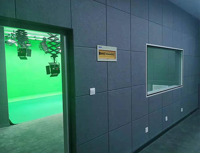 河南牧业经济学院完工U型抠像绿箱项目完工